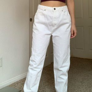 Baggy white mom jeans